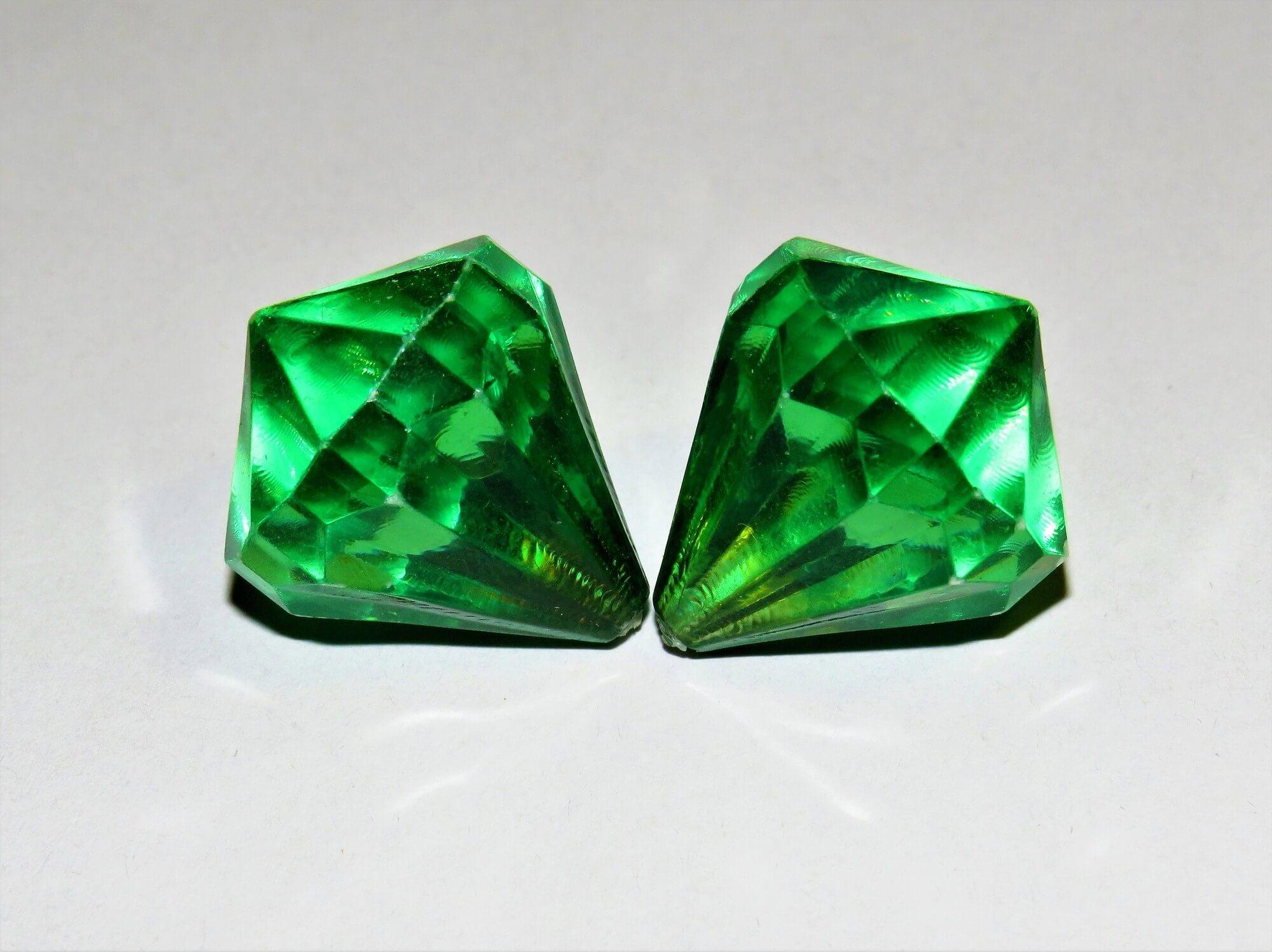 duas diamantes representando conceitualmente o duplo diamante no DT