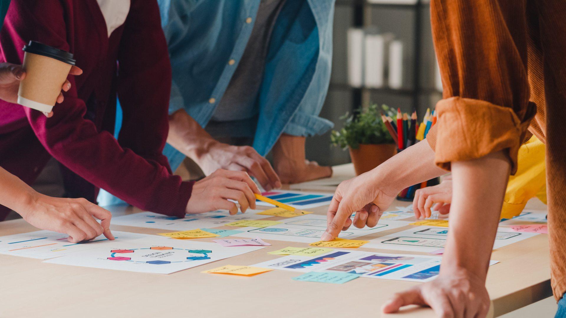 time analisando a melhor forma de criar um design de produto